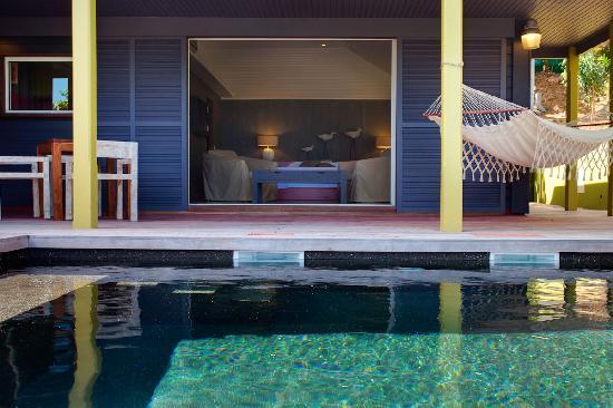 Karibuni Lodge: PINK room and private pool