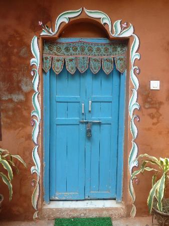 Ganpati Guest House: A DOOR