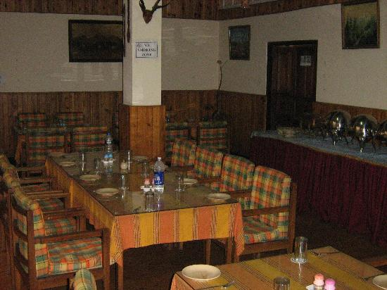 Darjeeling Gymkhana Resort : dining hall