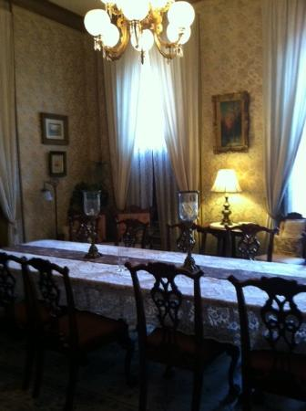 Harry Packer Mansion Inn: Dining Room of the Mansion