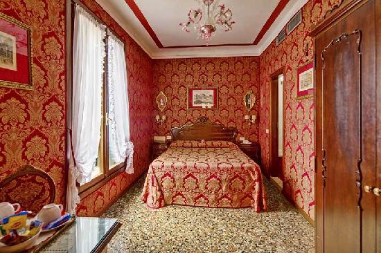 """Antica Locanda Sturion"" Residenza d'Epoca : Our double room of charme"