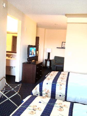 سبرنج هل سويتس باي ماريوت ريتس موند نورث: 2 Double Room