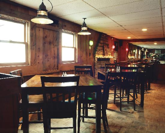 Crowther's Restaurant: Pub Life!