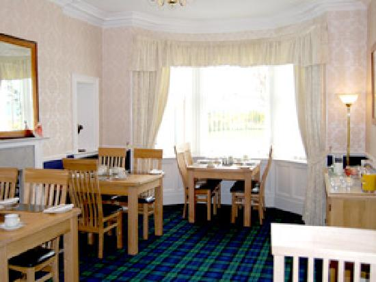 Pinewood Country House: Dining Room