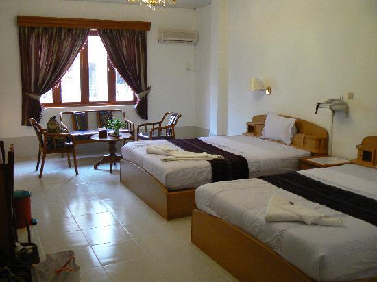 Asia Hotel: chambre 2 lits