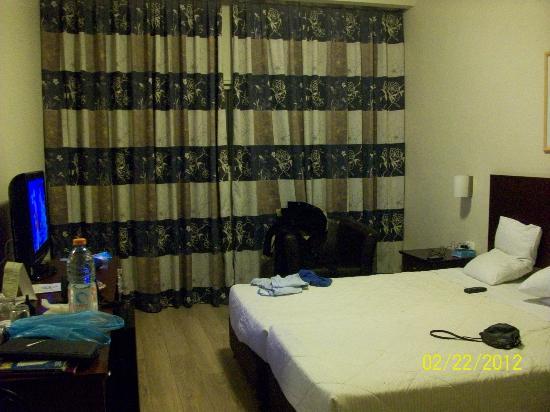 Jerusalem Gate Hotel: room