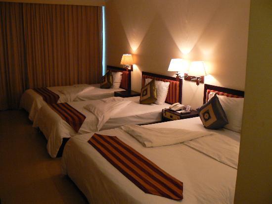 Angkor Riviera Hotel: Chambre familiale