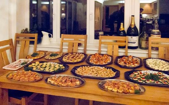 82 Fishbourne: Ac canape party