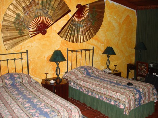 Hostal Real Los Robles: Clean rooms
