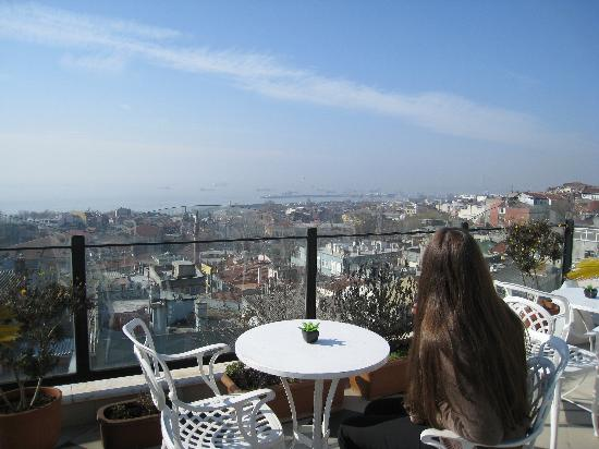 Istanbul Amedros Home: View from the roof top terrace