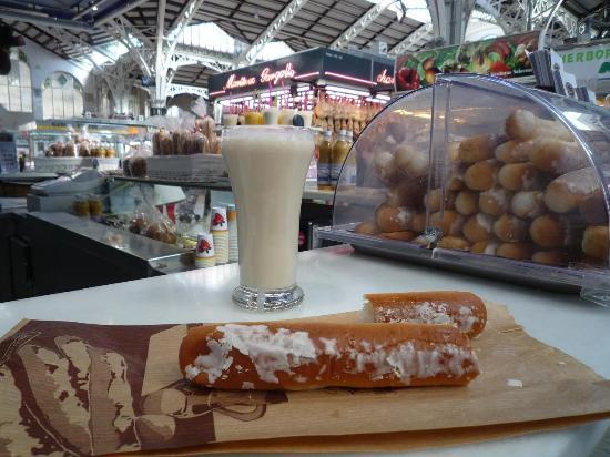 Central Market (Mercado Central) : bibita e dolce tipico valenziano