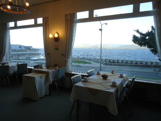 Hotel Tres Reyes: Vista desde el comedor hacia el lago Nahuel Huapi