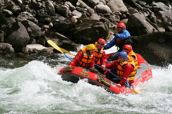 Ultimate Descents New Zealand - Day Tours: White Water Rafting with Ultimate Decents