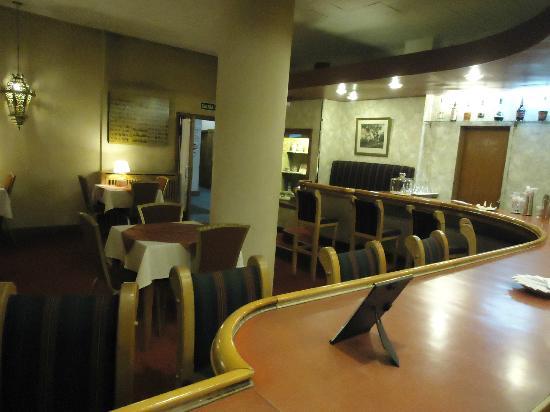 Hotel Tres Reyes: hermoso bar!!!