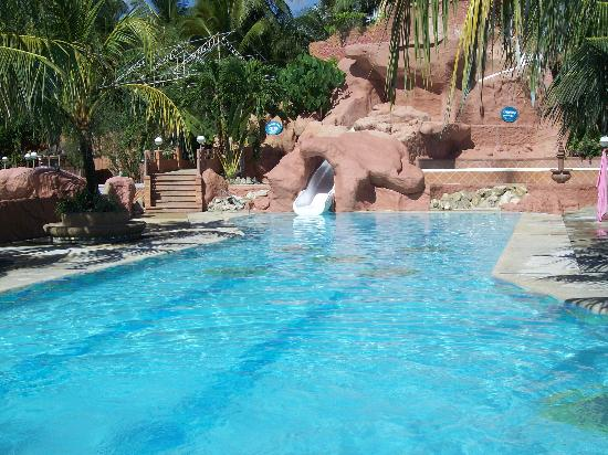 Intosan Beach Resort : One of the pool