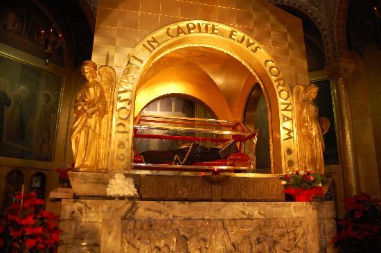 L 39 urna di santa rita foto di basilica di santa rita for Basilica di santa rita da cascia