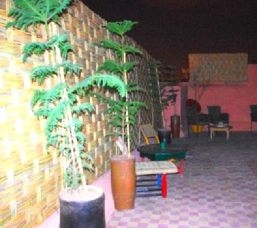 Rainbow Marrakech Hostel: ...OR just chill out with some tea