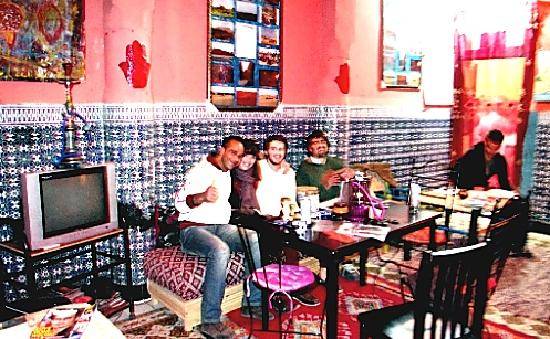 Rainbow Marrakech Hostel: make new friends
