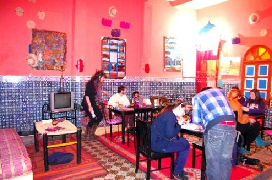 Rainbow Marrakech Hostel: learn about our country and culture with the people who know it the best