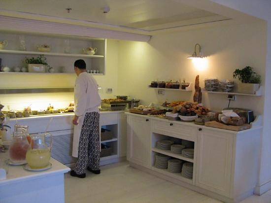 Shalom Hotel & Relax Tel Aviv - an Atlas Boutique Hotel: Breakfast buffet