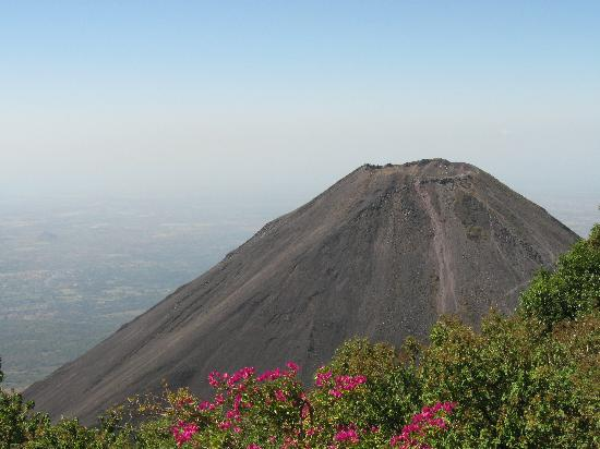 Cuscatlan Tours - Day Tours : Volcan Izalco