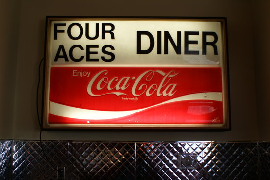 4 Aces Diner : OLD SIGN