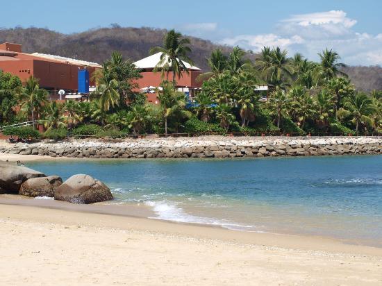 Las Brisas Huatulco: beach
