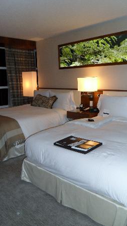 Fairmont Pacific Rim: Bedroom