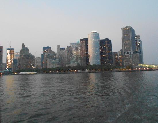 Spirit of New York: NYC skyline at night