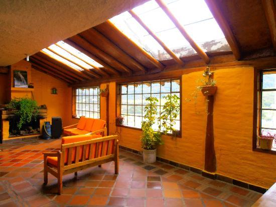 Hostal Coturpa, Su Casa en Papallacta: dining room