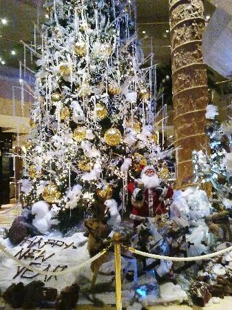 Beautiful decorations picture of four seasons hotel for 4 season decoration