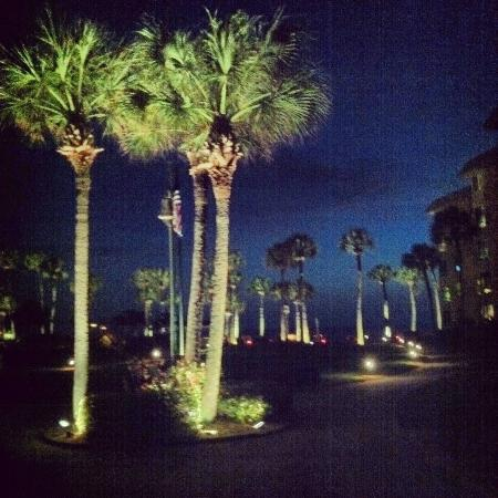 Sarasota Surf and Racquet Club: The Grounds at Night