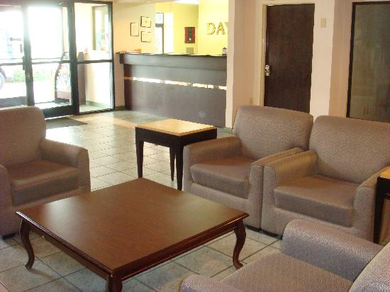Days Inn College Park/Atlanta /Airport South: Lobby
