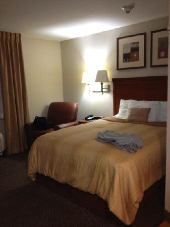 Candlewood Suites Secaucus: comfortable bed
