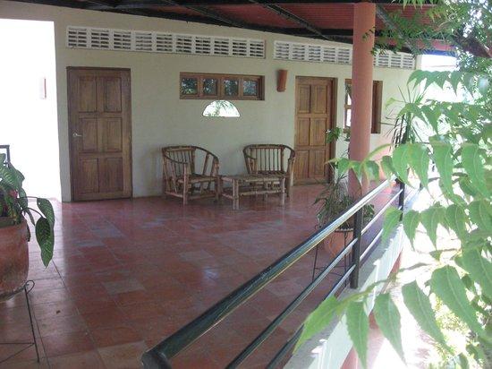 Bahona tropical: une piscine dans une forêt tropicale