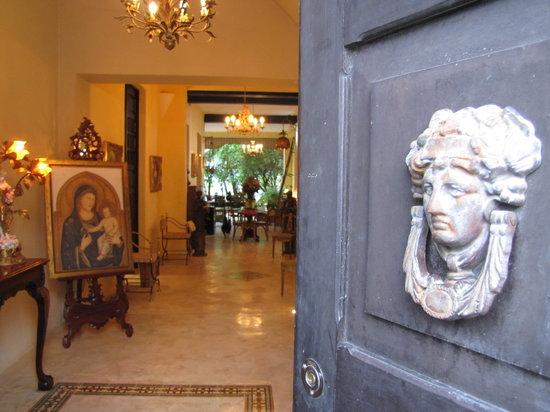 La Casa de la Puesta Del Sol: Front Entry