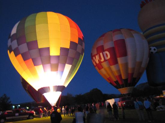 Sundance Bear Lodge: Fall balloon fest in Mancos