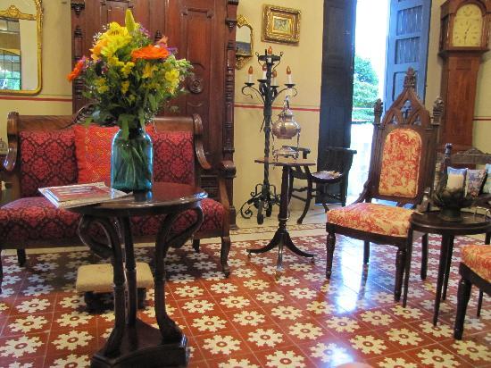 La Casa de la Puesta Del Sol: Relax in the Sala
