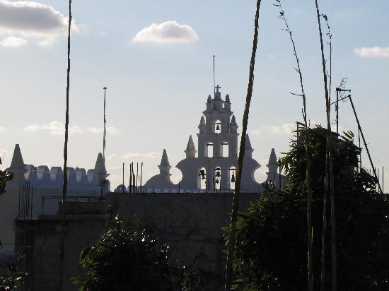 La Casa de la Puesta Del Sol: Santiago Church