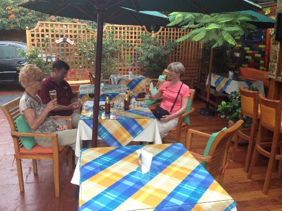 Peru Star Botique Apartments Hotel: Breakfast is outdoors -- quite pleasant.