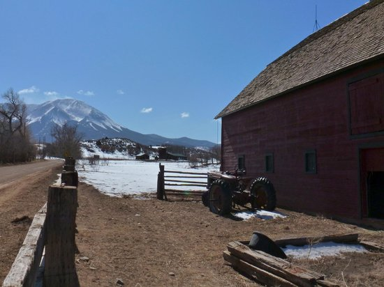Inn at the Spanish Peaks: Barn and W Spanish Peak