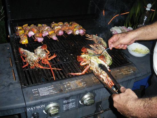 Le Bonheur Villa: Barbecue façon Chef Bernard