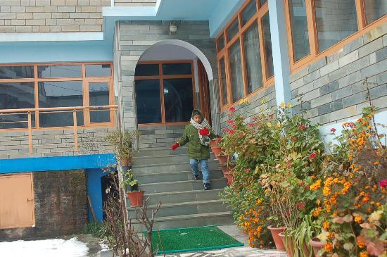 Silmog Garden: Entrance to the hotel