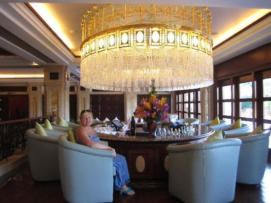 Vinpearl Luxury Nha Trang: Бар