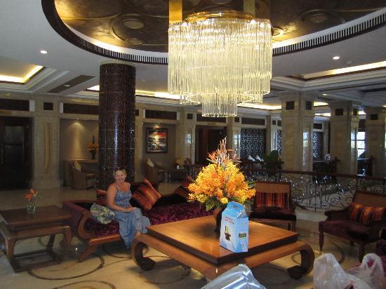 Vinpearl Luxury Nha Trang: Холл отеля