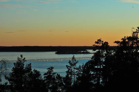 Kolmarden, Swedia: Solnedgång från hotellrummet