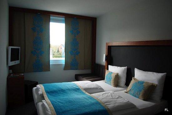 Motel One Hamburg - Altona :                   Hotelzimmer vor Bezug