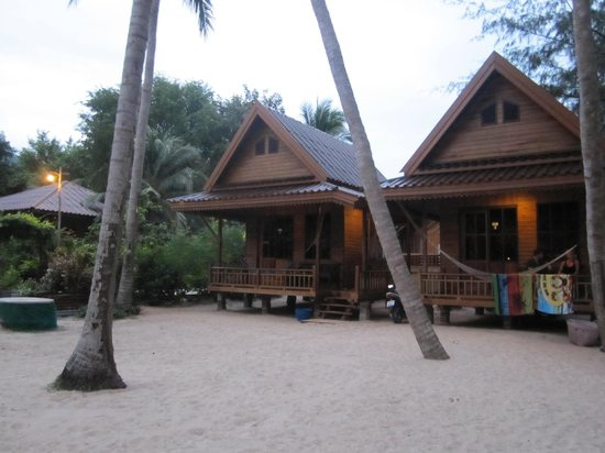 Sairee Cottage Resort: Beachfront bungalow!