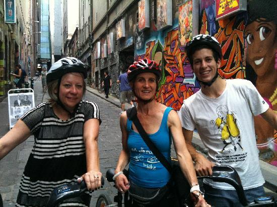 Melbourne By Bike: Hosier Lane with Sue & Marc