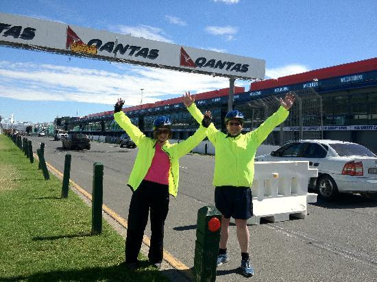 Melbourne By Bike: Peter & Julie excited for Melbourne's Grand Prix